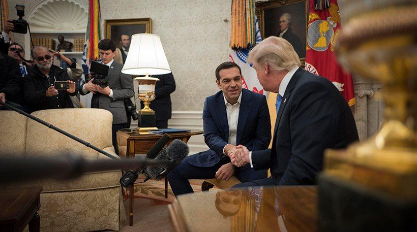 «Ακριβές» υποσχέσεις Τραμπ στον Τσίπρα για επενδύσεις και χρέος