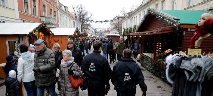 Βερολίνο: Βρέθηκαν τσάντες με σφαίρες κοντά σε χριστουγεννιάτικη αγορά